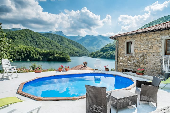 The sweet Life over the lake! - Careggine, Lucca - Casa