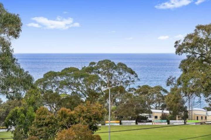 Lorne holiday house- location, location, location!