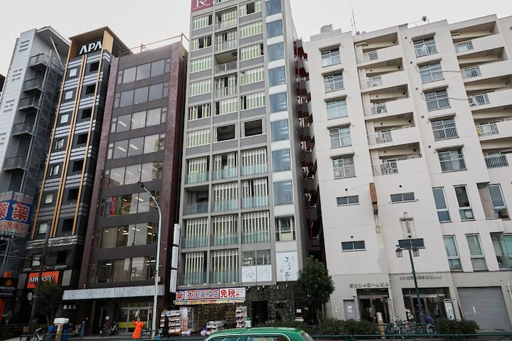 東京中心商業區,交通樞紐,歌舞伎町,至多可住4人!