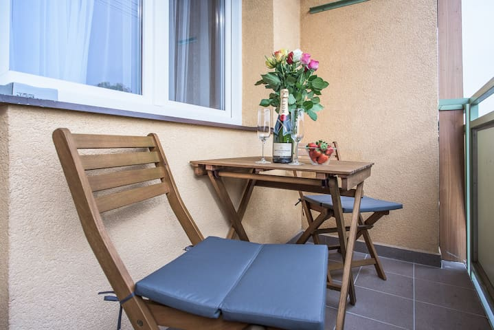 LUXURY APARTMENT JANA, FREE WIFI, BALCONY - Ostrava - Lägenhet
