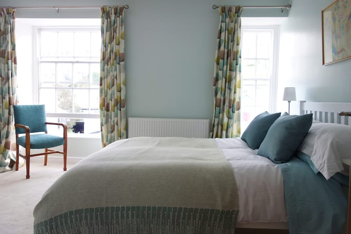 Lovely House in Central St Ives, Sleeps 6 *New*