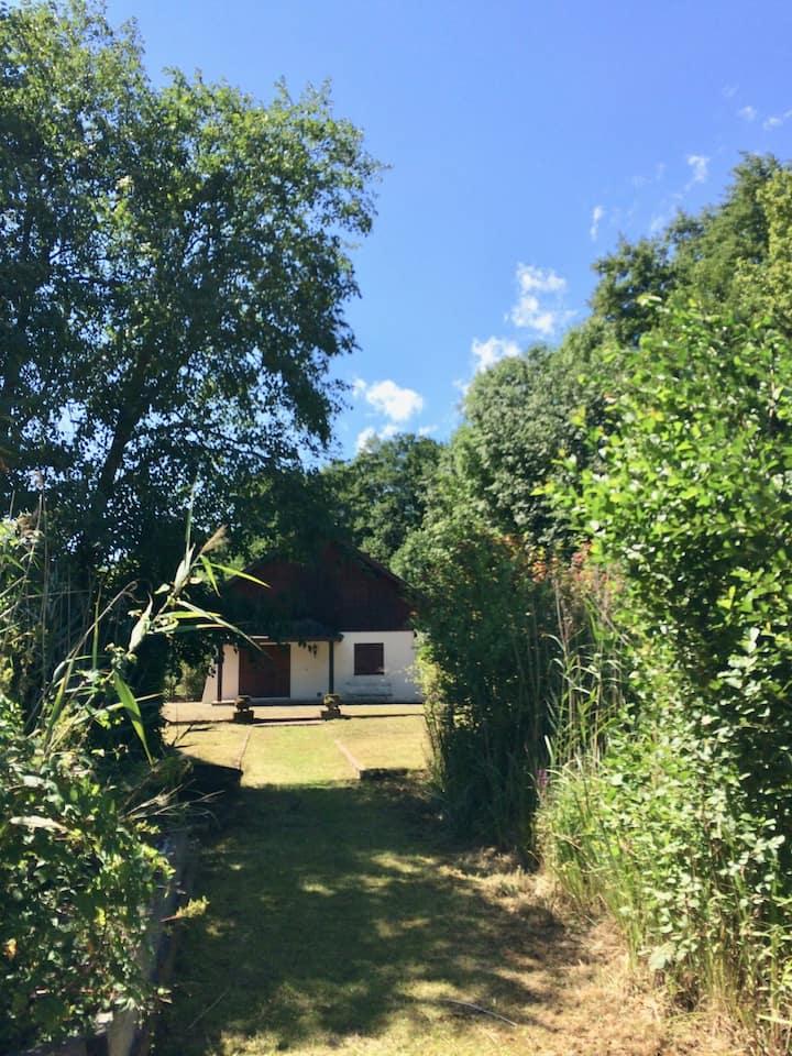 Charmant cottage en bordure du lac