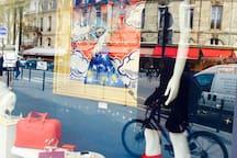 Bordeaux 48 mins. Hermès, Louis Vuitton, Gucci. Galerie La Fayette. Cafés, musée. Art galléries.