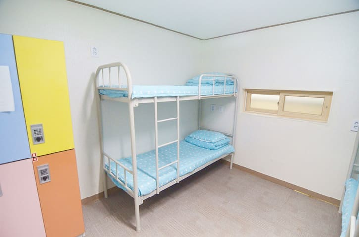 4Bed female dormitory bed @Seoul Downtown