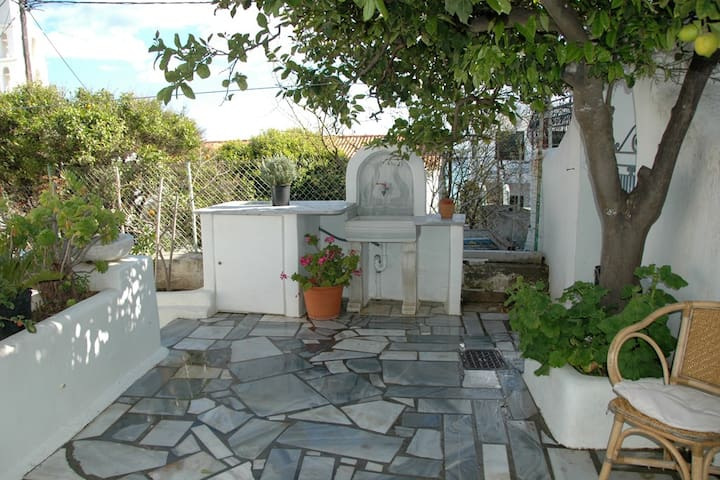 Small studio in the center of Tinos - Tinos - Apartamento