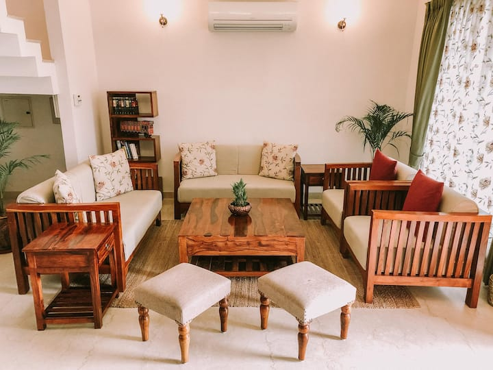 6BHK beautiful spacious home w/ catered breakfast
