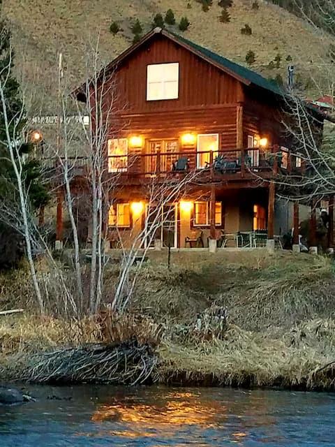 """Red's Retreat"" @  Wood's Landing/Jelm, Wyoming"