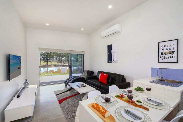 Ironbark Hill Villa 6