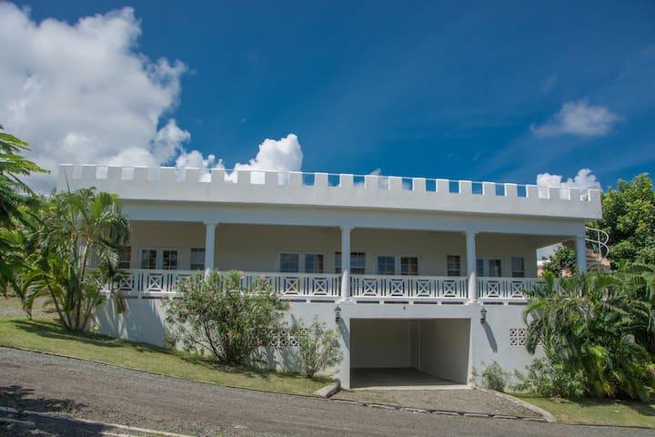 Castles in Paradise Villa 6