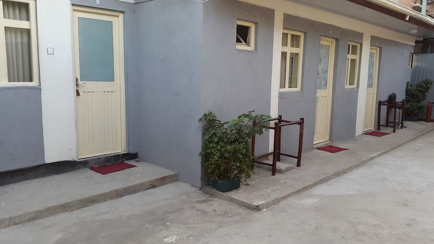 Twin BED RM@lucyguesthouse near Edna Mall - Addis Ababa