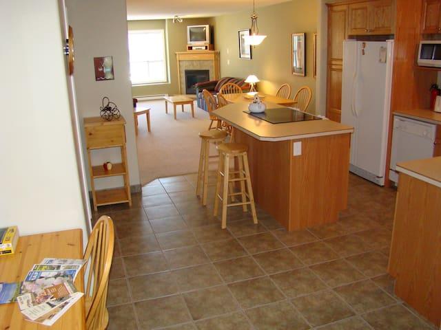 A Holiday Retreat Near all OK Gems. - Okanagan Falls - Appartement en résidence