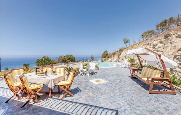 Beautiful home in Agropoli SA with WiFi and 4 Bedrooms