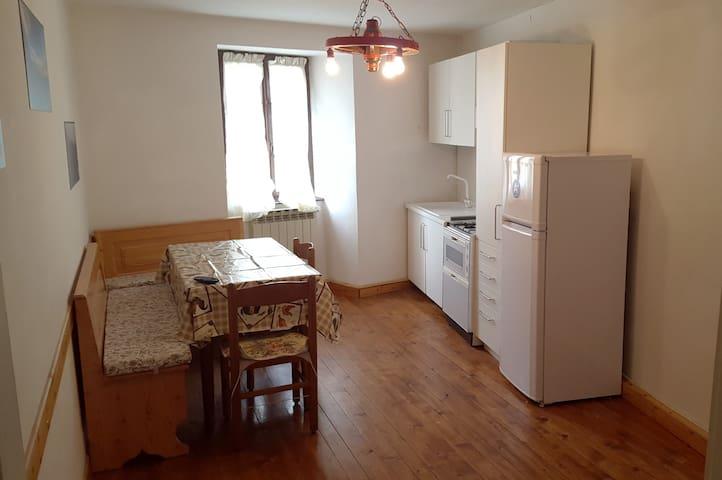 Appartamento a 150m dalla piazza con posto auto - Vezza d'Oglio - Wohnung