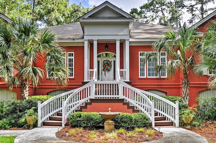 Charming Daufuskie Island House w/ Furnished Deck!