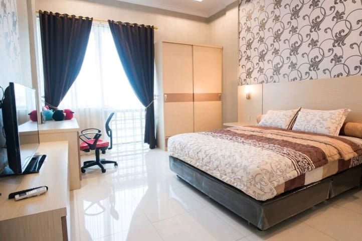 New & Cozy Bedroom in city center 1