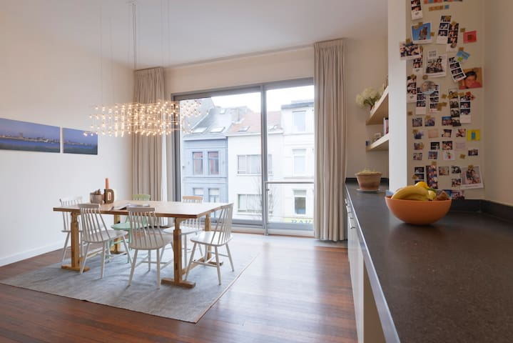 Private spacious rooms at trendy 'Antwerpen-Zuid'