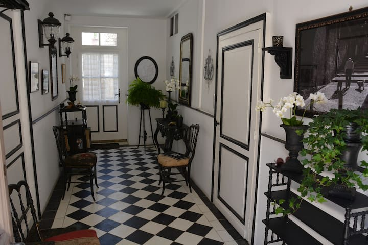 Charming French Townhouse - Beaumont-du-Périgord