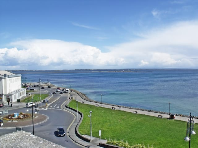 3 Bedroom Apartment in Salthill - Salthill - Appartement
