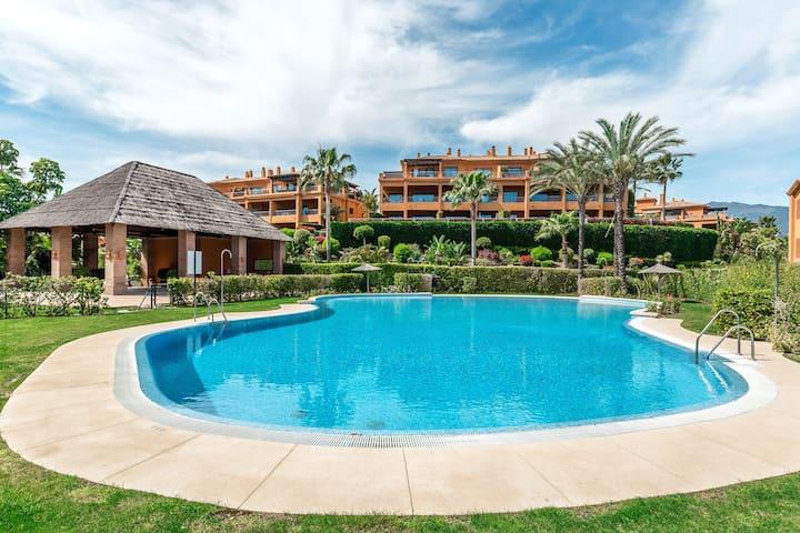 2 bedroom holiday apartment in Atalaya - Marbella
