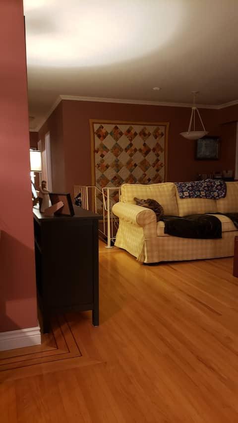 Cozy Ladner Home