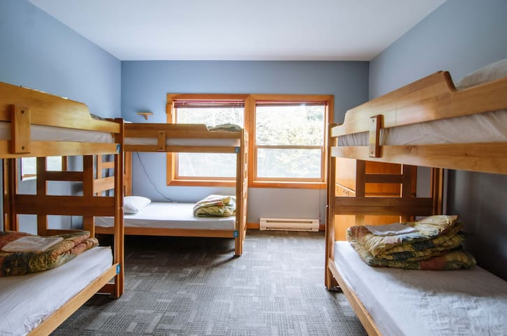 The room has 3 single bunk beds (6 single beds in total)