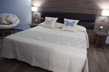 Magnifica Luxury Suites - Santa Maria degli Angeli - Bed & Breakfast