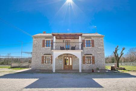 Traditional Istrian house in central Istria - Kanfanar - Talo