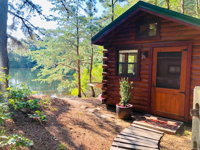 OFF GRID Cabin on Turtle Cove - Water Sports!