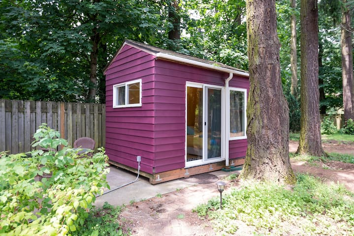 Private Tiny House at Camp Holly