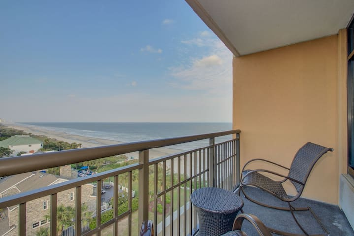 Luxury Double Queen Studio with Ocean View Balcony at the Island
