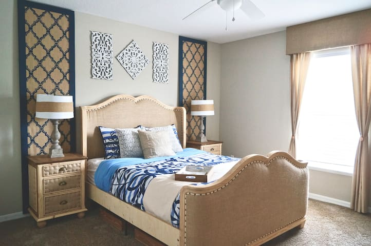 Spacious queen bedroom