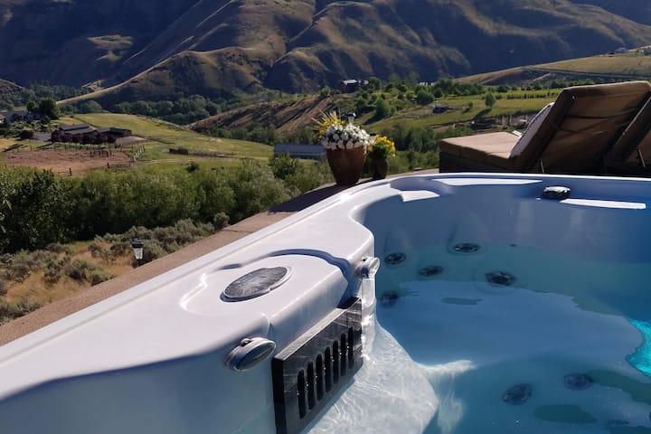Ellensburg Yakima hot tub view getaway