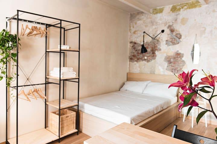 Cozy Studio in a single house near Politecnico