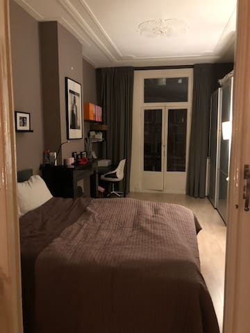 Nice room Amsterdam near Vondelpark