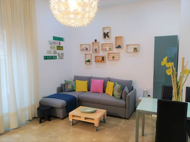 Brand New Apartment in the Center. Parking & wifi
