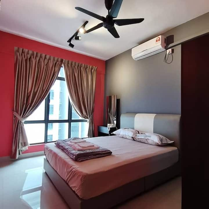 8 pax/3 rooms/5 beds/2 parking/golf view/low price