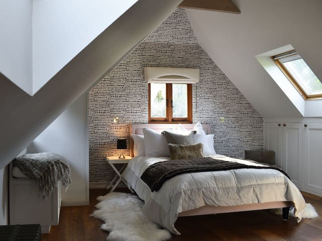 Holly's Cottage (UK13073)