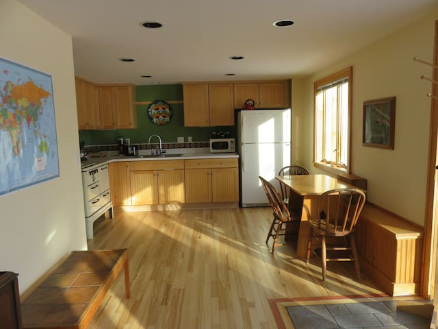 Full kitchen, working antique stove with oven, microwave, coffee maker, toaster-everything you need.