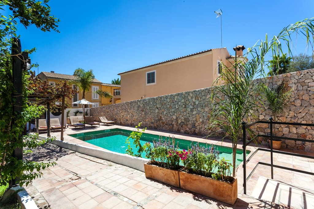 Alzina living villa son mas tourist licence villas for for Living palma