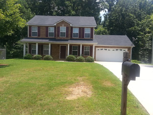 $89.00 for 3 Bedrooms - Lithonia
