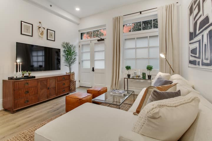 Hip & Historic Luxury Apartment | 5 min to FQ