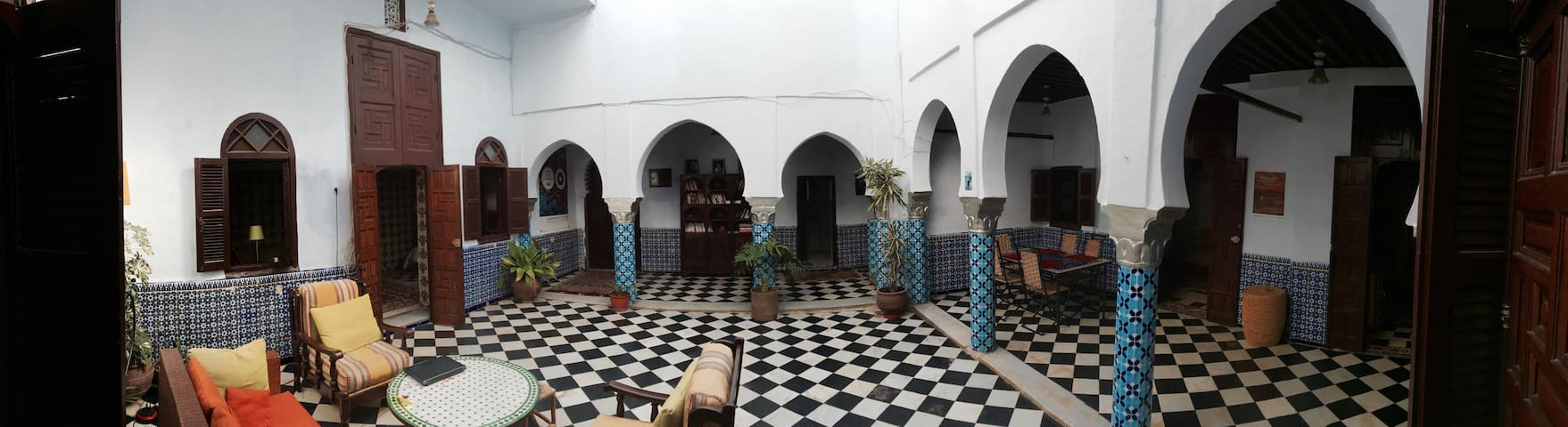 Traditional Riad in the Medina - Rabat - Huis