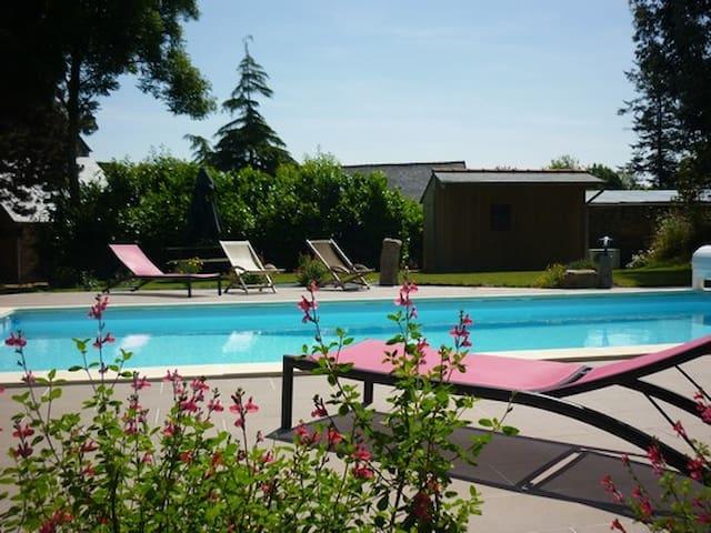 Gites avec piscine et Jacuzzi - Bretagne - Rumah