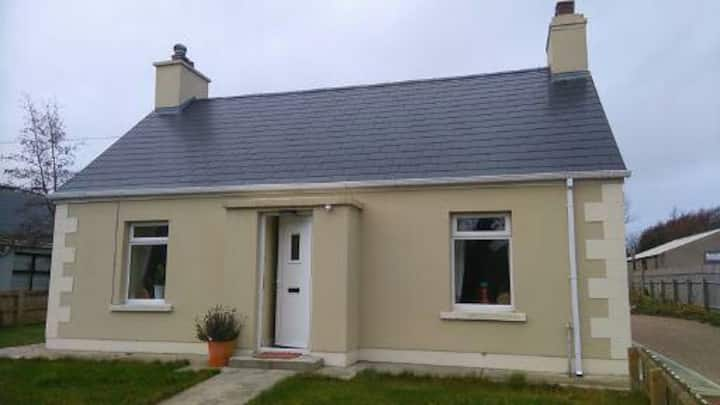 Martin-Annies Cottage-heart of Dunfanaghy-2 D/beds