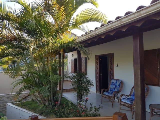 Casa de campo ampla e confortável até 24 pessoas
