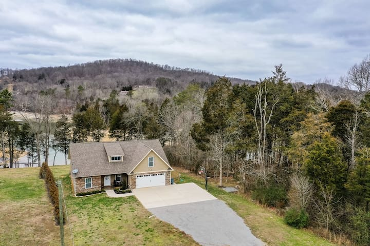 Beautiful, dog-friendly lakefront home with private dock and hot tub!