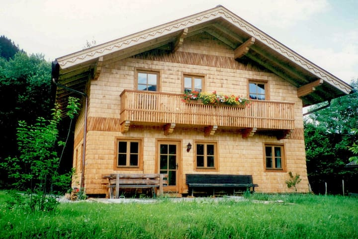 Cozy Chalet with Sauna in Großarl