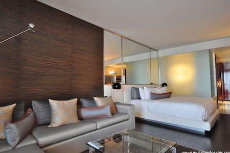 Palms Place Hi-Rise Suite. Balcony, with sunset vw - Las Vegas