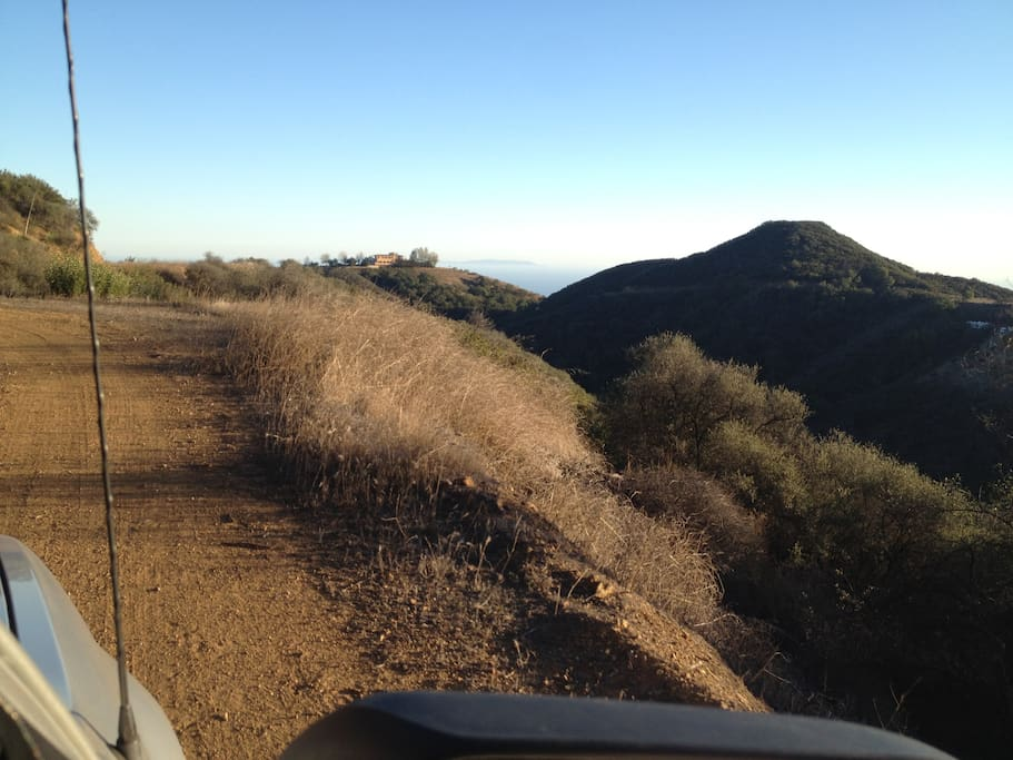 Dirt road to get to Wedding location
