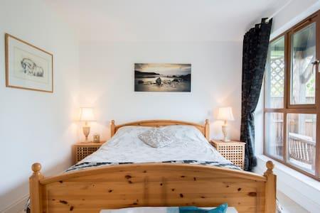Chichester & Goodwood 10 minutes - 1 Bedroom Annex - Walberton - 独立屋
